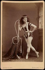 Leona Dare