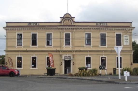 The Royal Hotel, Featherston